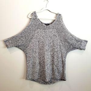 Jessica Simpson 1X cold-shoulder open back knit